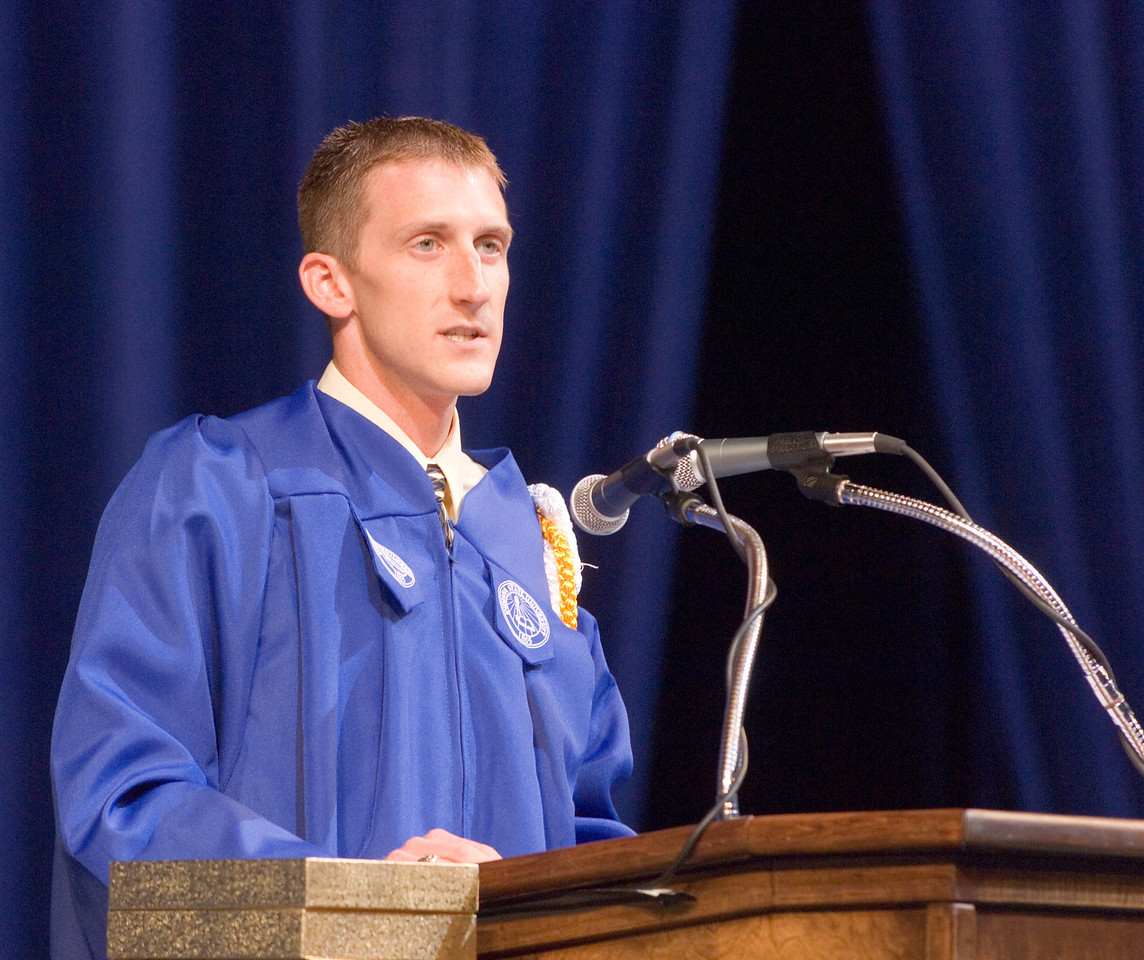 2007_spring_commencement_0602