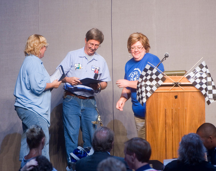 2007_support_staff_meeting_0540