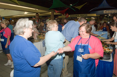 2007_welcome_back_picnic_0042