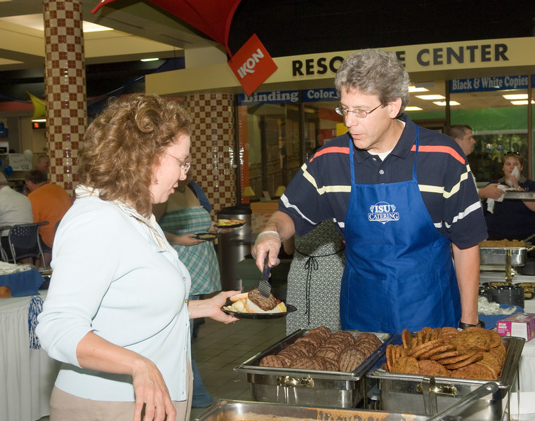 2007_welcome_back_picnic_0055