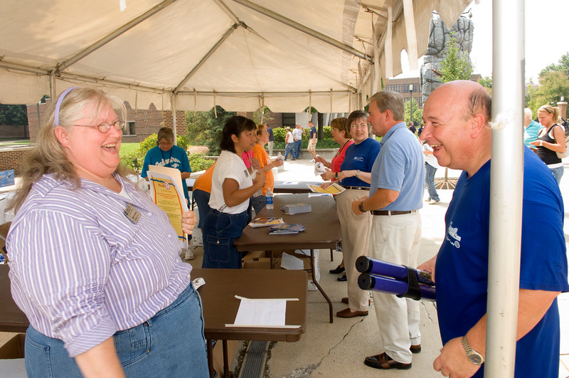 2007_welcome_back_picnic_0106