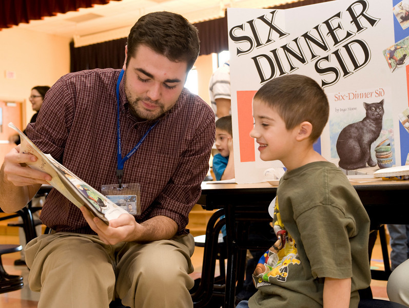 Jarrod Vanzo, Jnr. El Ed<br /> Andy Robinson, 5<br /> reading Six Dinner Sid