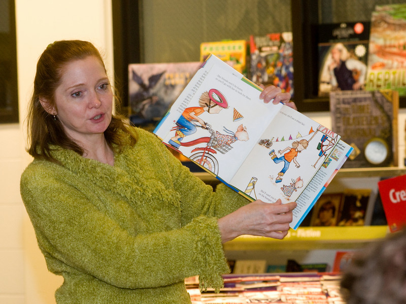Professor Nail reads to a group of children at the Scholastic Book Fair in the College of Education on Tuesday, January 29, 2008.