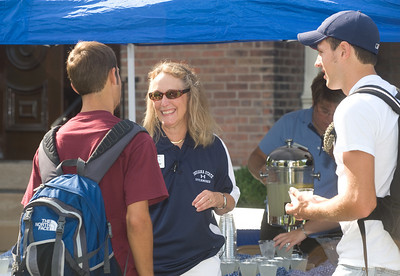 Cheri Bradley serves lemonade on first day of classes, 2008.