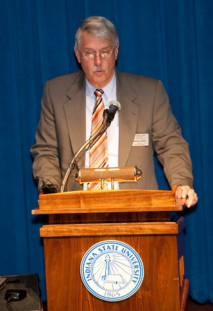 Dr. Tom Sauer, Dean of the College of Arts and Sciences