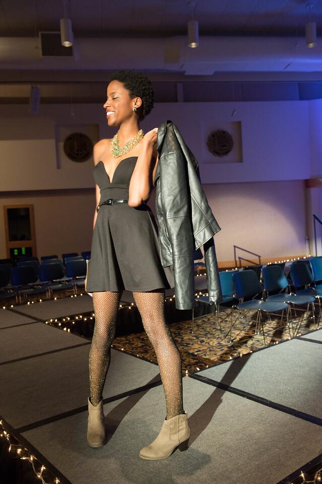 December 06, 2013 TAM Fashion Show 5797