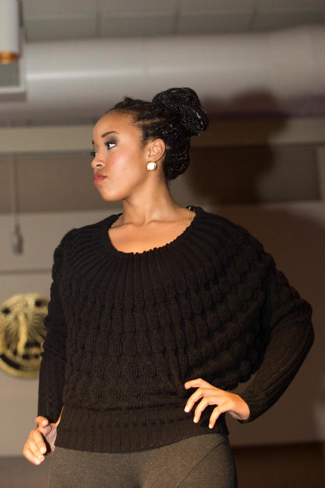 December 08, 2013 TAM Fashion Show 6195
