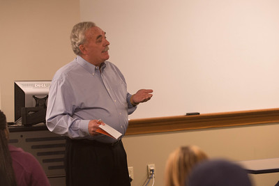 Dan Maitland the Chief Executive Officer of Multiview, Inc speaks with students at the Scott College of Business.