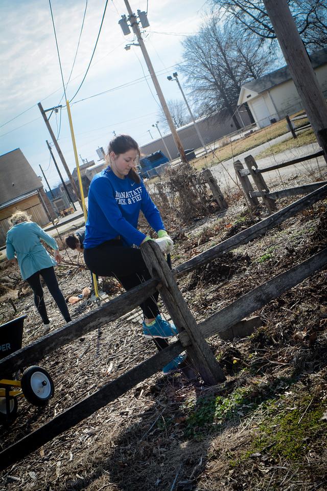 Community Garden Service Day_gibbons-5702