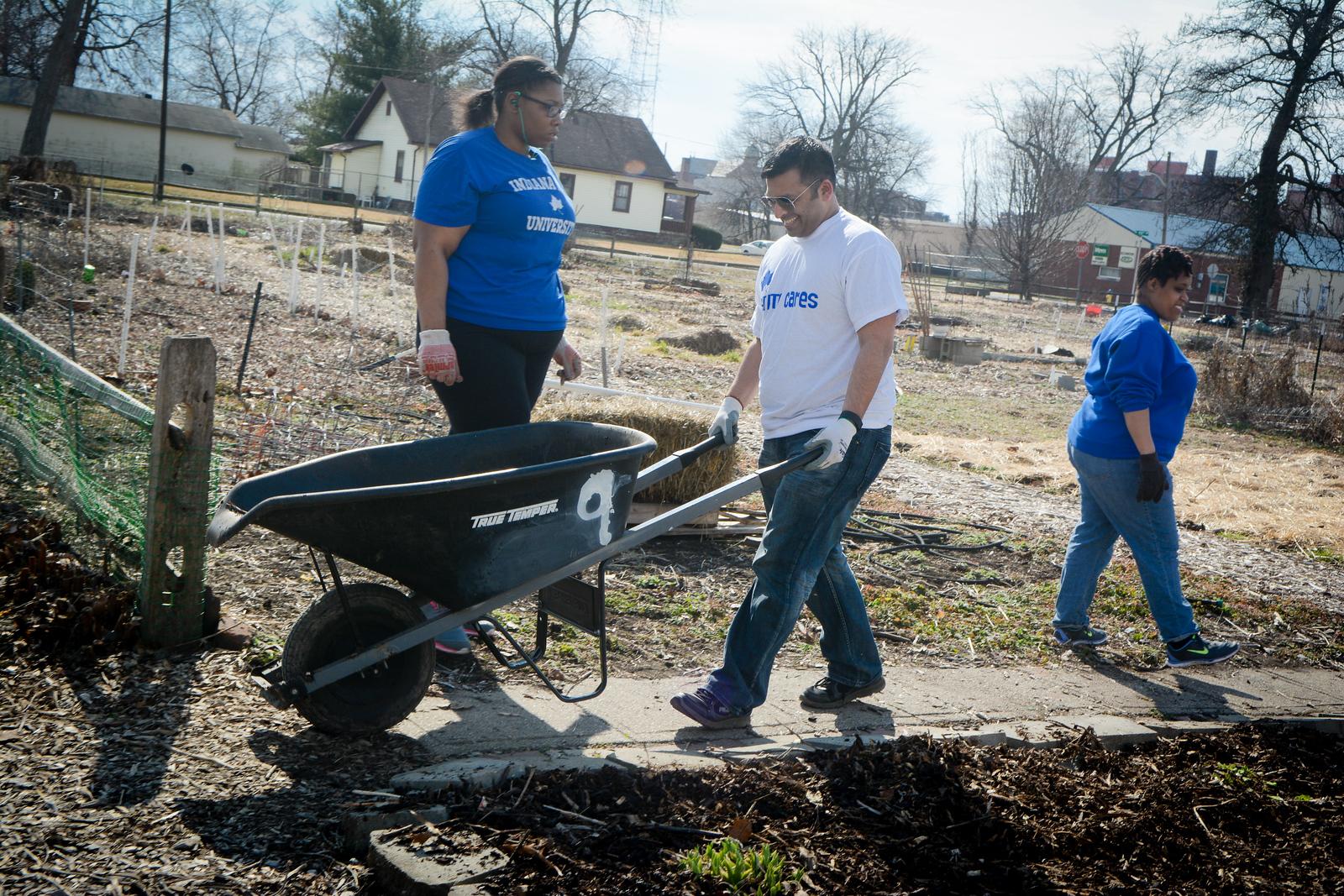 Community Garden Service Day_gibbons-5749