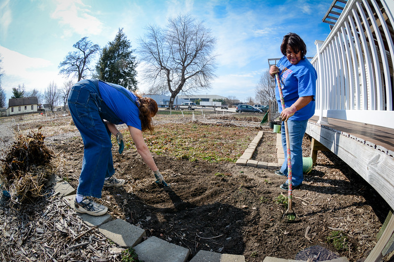 Community Garden Service Day_gibbons-5635