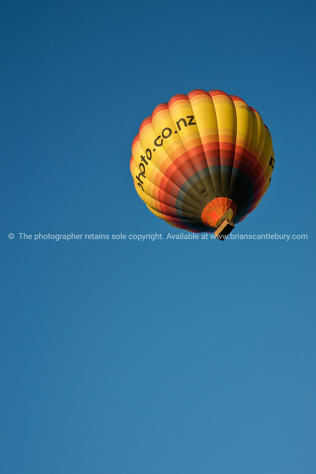 Photo.co.nz, hot air balloon, Balloons over Waikato, New Zealand, 2010.