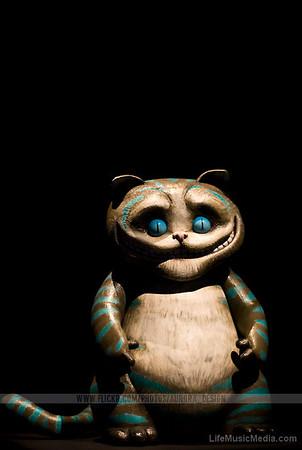 Alice in Wonderland - Cheshire Cat  Photographer: Naomi R  LifeMusicMedia