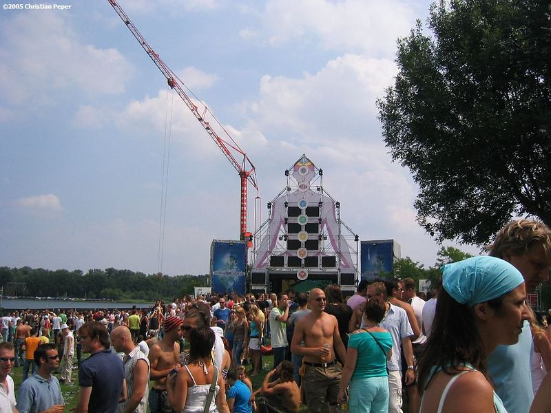 Main stage with MTV