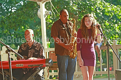 Stephen Jones, Rob Dixon, Ella Poletti Carson Diersing band