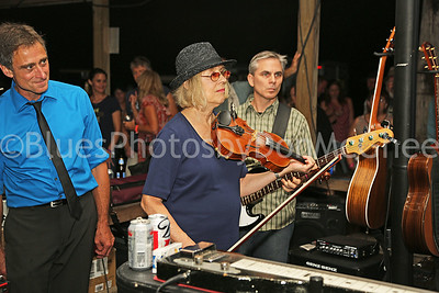 Bean Blossom jam - Gary Applegate, fiddle & guitar player