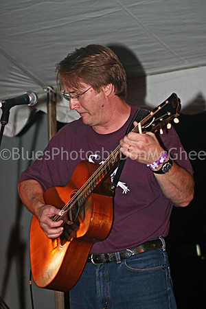 Bean Blossom 2004 guitar player