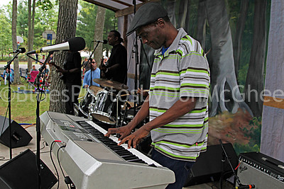 Glemie Beasley Jr, Willie Willie Glemie Beasley and his Downhome Blues Band