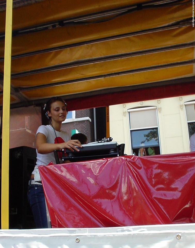 """The upcoming female DJ: <a href=""""http://www.miss-nine.com/"""">DJ Miss Nine</a>"""