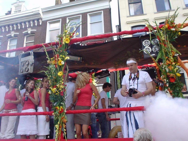 """<a href=""""http://www.loveland.nl/"""">Loveland</a> truck"""