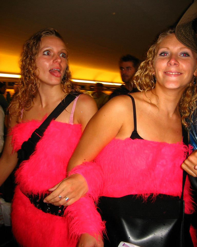 Bunch of brightly pink girls in Rotterdam central station