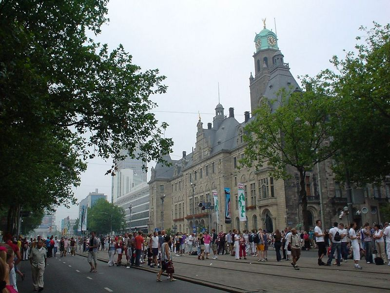 City Hall in Rotterdam on the Coolsingel, where the parade turns around