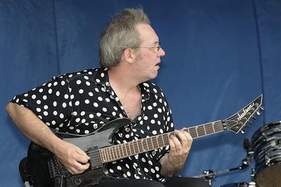 Festival international de percussion de Longueuil ( FIPL ), Longueuil Qc; Guitariste en spectacle dimanche/ Musician on sunday.