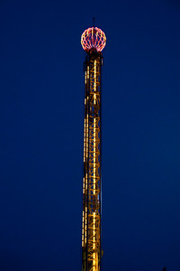 The Big E nightime-1088