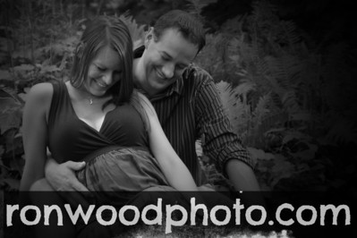 Angela and Chris Maternity Shoot 025