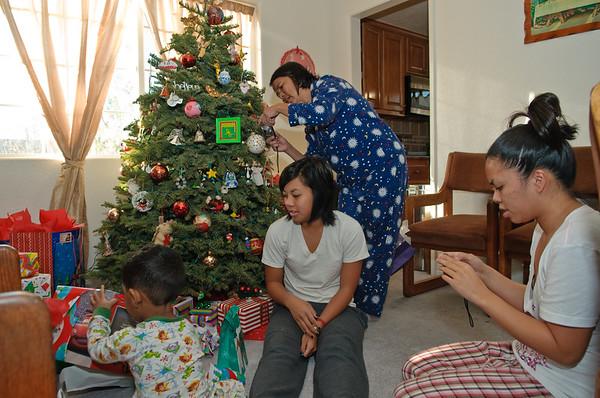 091225_Christmas2009_0002-1