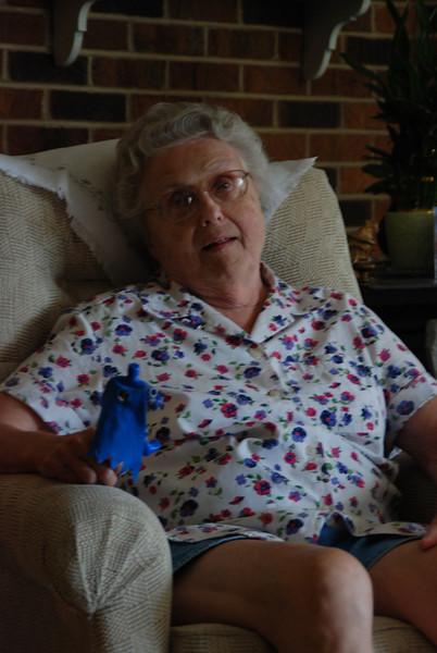 Mom (Kathleen Main).