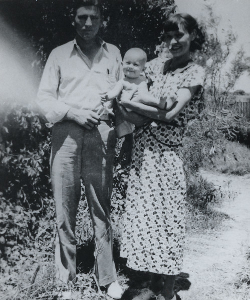 1937 with parents Pink and Opal