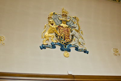 The Royal Crest in Court 1