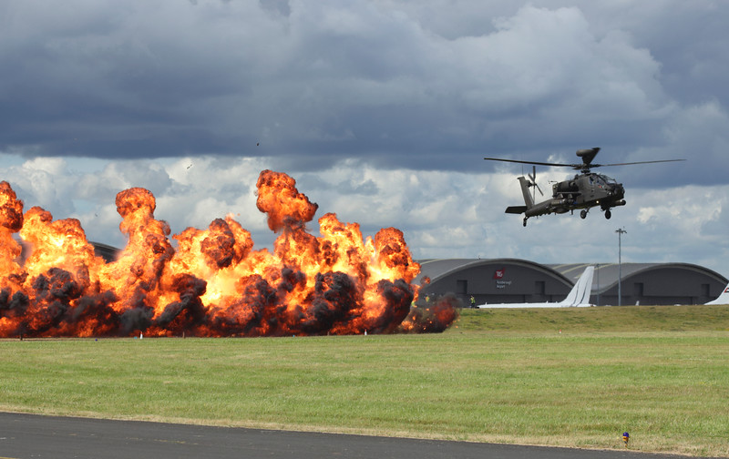 Farnborough Airshow UK 2016  Wall of Fire and Apache helicopter