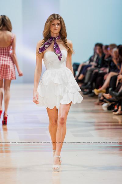 Wellington Fashion Week Fashion Parade_120420_1097