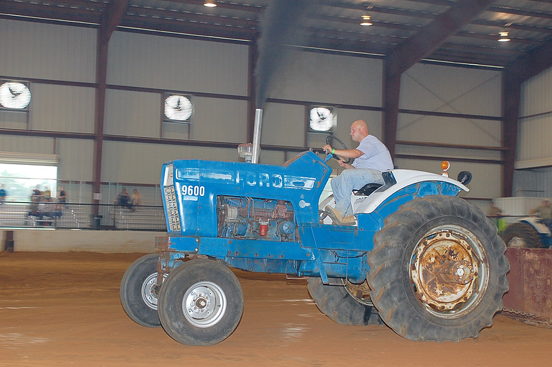 fayette alabama tractor pull 7-11-09 012