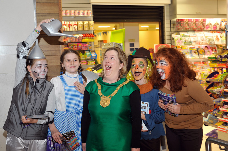 Members of the Independent Theatre Workshop get into the spirit of 'The Wizard of Oz' with the Cathaoirleach.<br /> <br /> Performers L to R: Sarah Poynton, Éabhan Murphy, An Cathaoirleach Cllr Carrie Smyth, Katie Killarney and Eve McDermott.<br /> <br /> <br /> An Cathaoirleach Cllr Carrie Smyth launched Nutgrove Arts Fest 2013 on Thursday 26 September 2013. The event took place from 6.30pm to 8.30pm and included Musicians Shannen Byrne & Michéal Smith from Kicking Bird, The Bastable Warren School of Irish Dancing, Bollywood Dance Dublin, Independent Theatre Workshop and RUGS Ukelele Band.