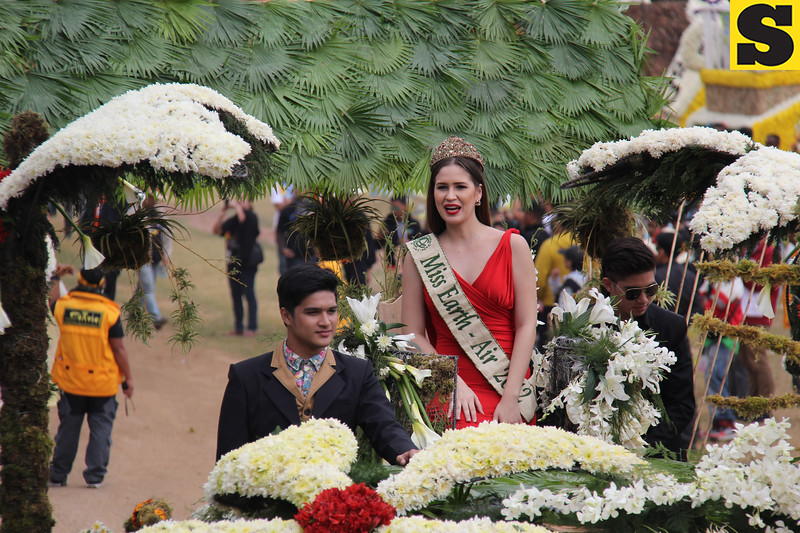 Miss Earth-Air 2012 Stephany Stefanowitz joins Panagbenga 2014 float parade