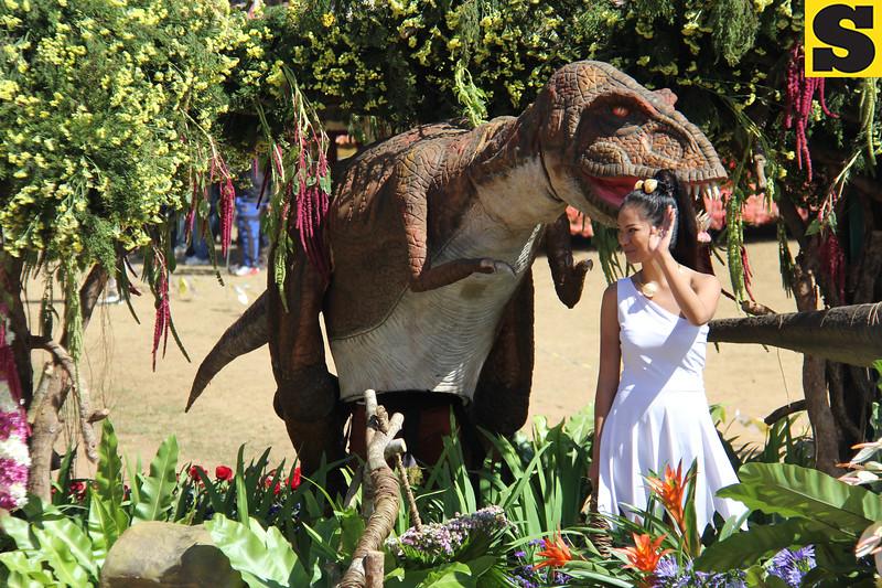 Dinosaur Islands joins Panagbenga 2014 float parade