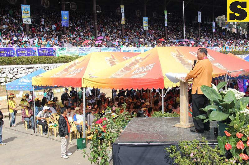 Baguio City Mayor Mauricio Domogan gives his message to Panagbenga crowd