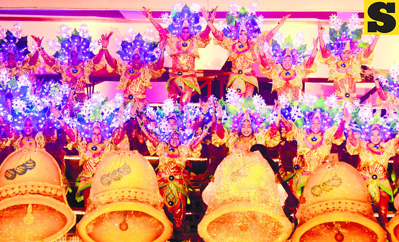 DAGITAB FESTIVAL IN CITY OF NAGA. The City of Naga, Cebu is alit with fireworks and twinklers as it celebrates the Dagitab Festival, now on its sixth year and held every December 25. (Photo by Alex Badayos of Sun.Star Cebu)