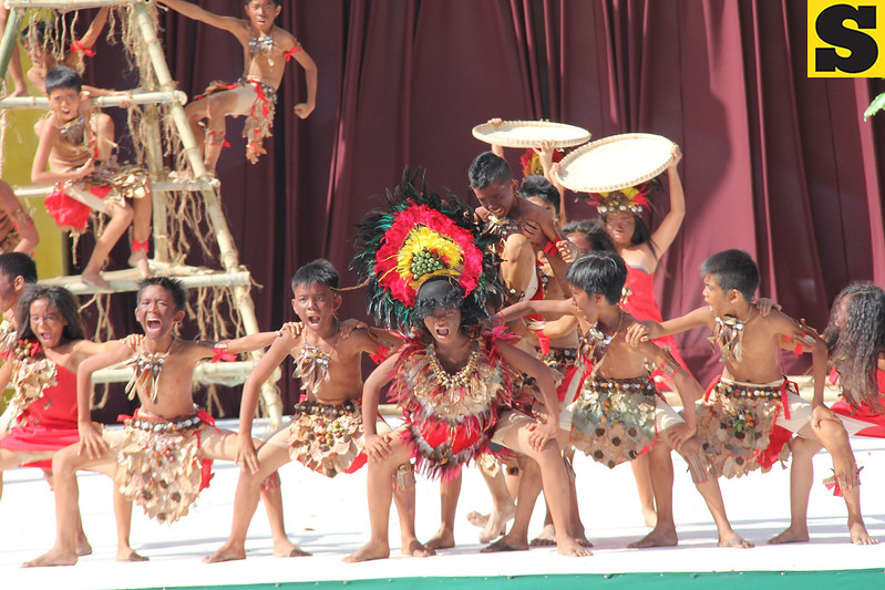 PAMPANGA. Colorful costumes and well choreographed dance moves highlighted the opening of Caragan Festival 2014 at Xevera, Mabalacat City on Thursday, February 27. (Chris Navarro)