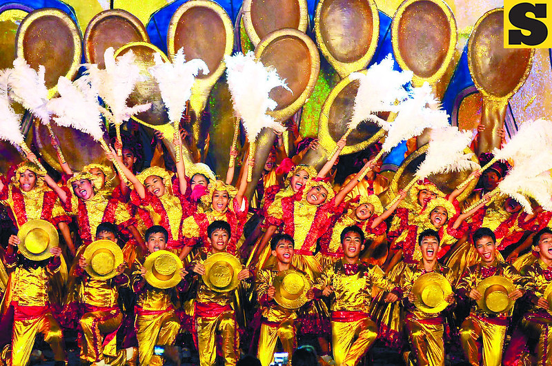 COOKIES TO DANCE FOR. Featuring the Rosquillos Festival, the town of Liloan won first place for the first time in the ritual showdown of the Pasigarbo sa Sugbo 2012 at the Cebu International Convention Center last Aug. 11. (Photo by Arni Aclao)