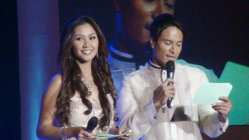 Hosts of the night Ms Cebu 2010 Reena Elena Malinao and actor Rafael Rosell. (Sunnex photo)