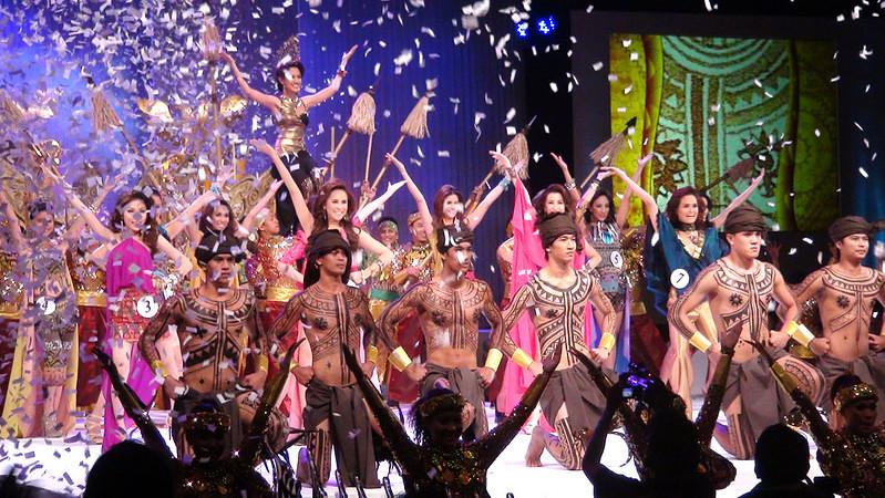 Opening number of Ms Cebu 2012. (Sunnex photo)