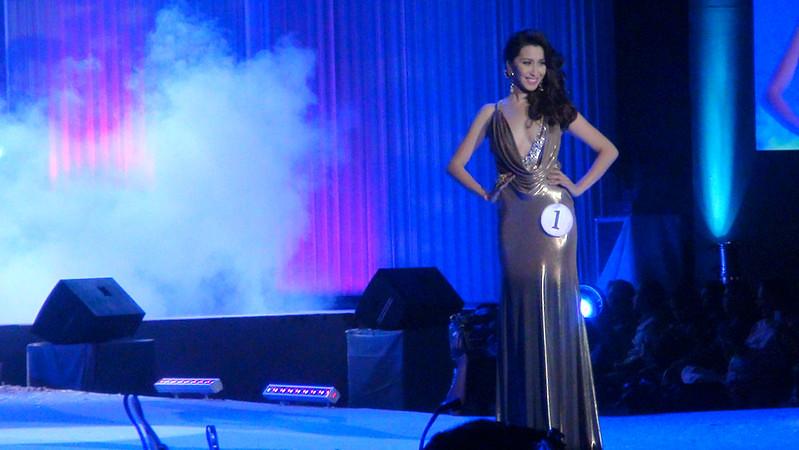 Ms Cebu 2012 candidate #1 Michelle Angelique A. Tan of Velez College in her evening gown. (Sunnex photo)
