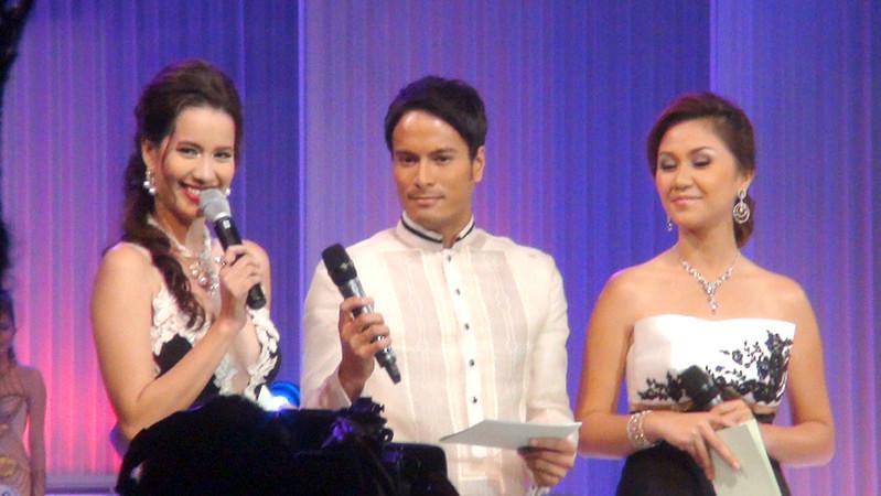 Hosting the Ms Cebu 2012 pageant night are Miss Philippines-Earth 2008 Karla Paula Ginteroy Henry, actor Rafael Rosell, and Ms Cebu 2010 Reena Elena Malinao. (Sunnex photo)