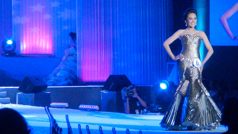 Ms Cebu 2012 candidate #6 Pierre Anther G. Infante of Southwestern University in her evening gown. (Sunnex photo)