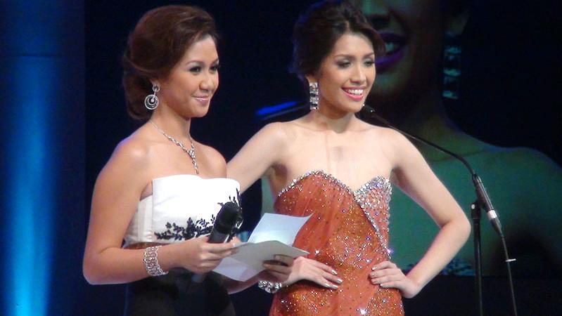Ms Cebu 2010 Reena Elena Malinao and Ms Cebu 2012 candidate #10 Jonnie Rose Louise R. Wee. (Sunnex photo)