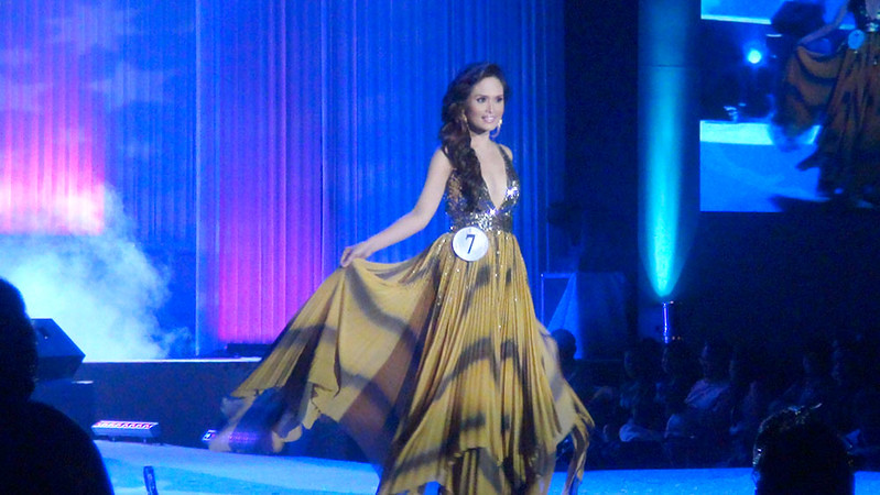 Ms Cebu 2012 candidate #7 Ella Beverly P. Sarmago of the University of the Philippines Cebu College in her evening gown. (Sunnex photo)